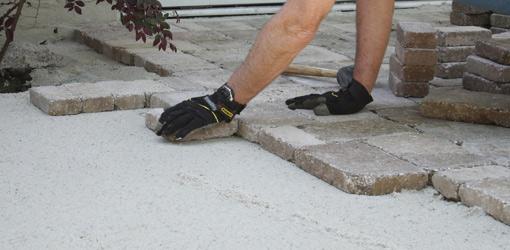 Položitev tlakovcev na beton