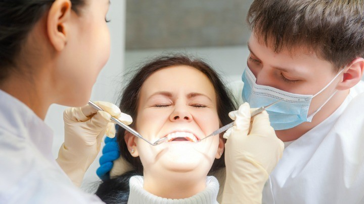vnetje dlesni granulom